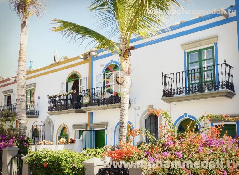 Beautiful holiday apartments in a resort