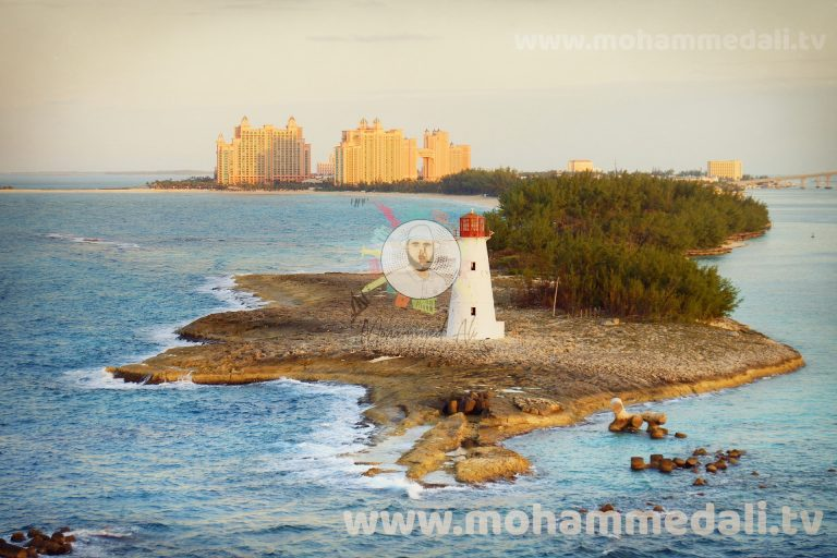 Stunning views onto the lighthouse of the Bahamas Island