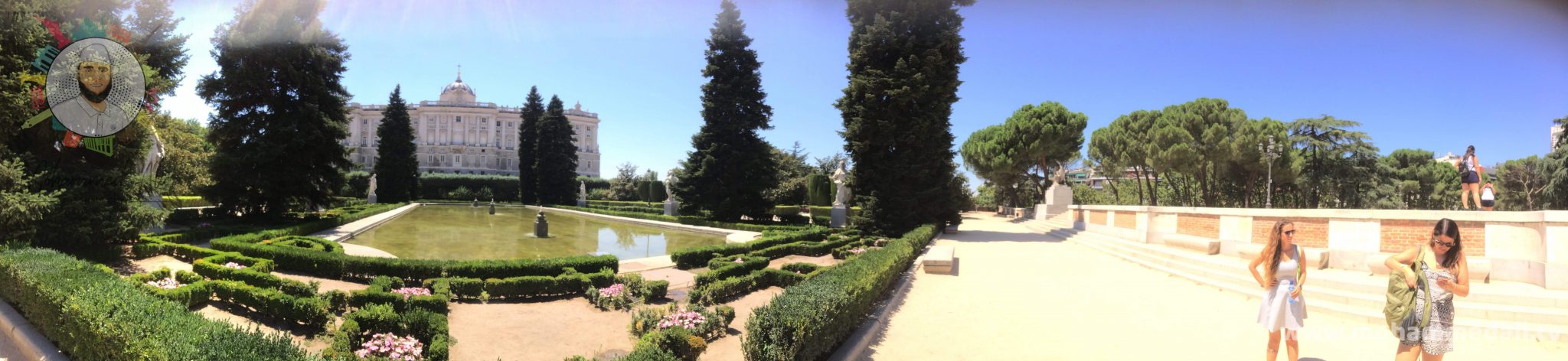 Amazing view on Royal Palace behind the Sabatini Gardens