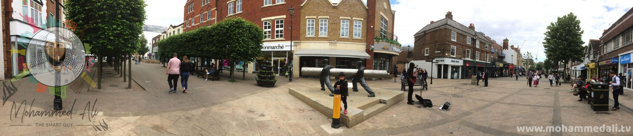Panoramic view of the Lino Statue and its surrounding in Staines-upon-Thames