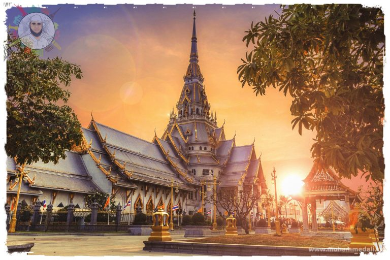 Amazing architecture of Temples in Thailand
