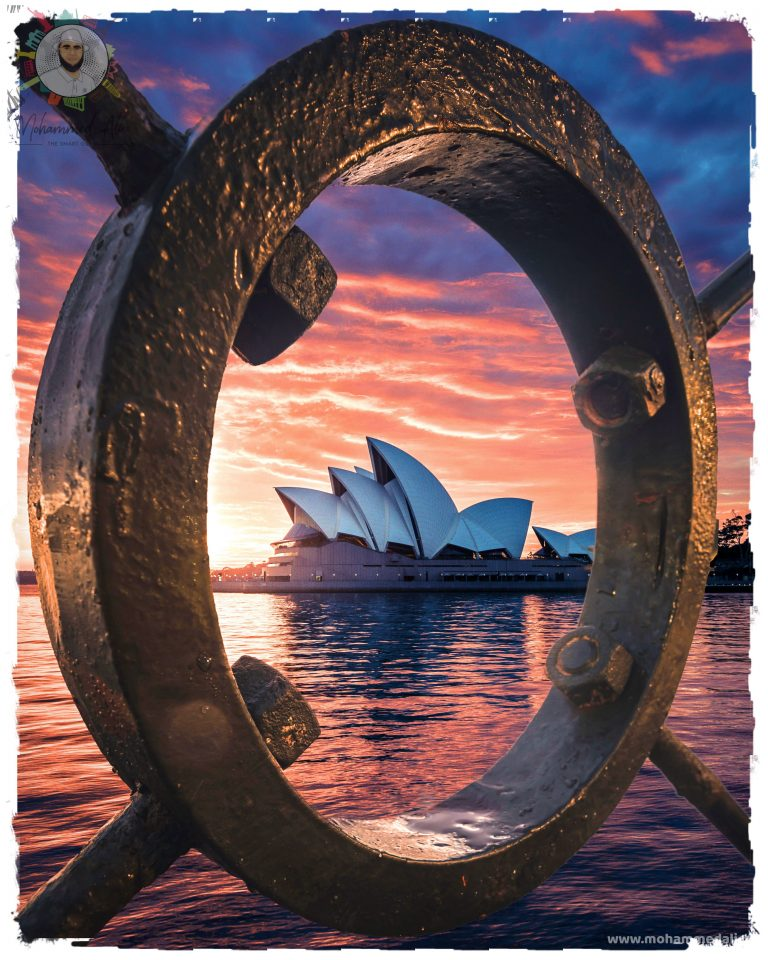 Amazing Sydney Opera House in Sydney at dawn