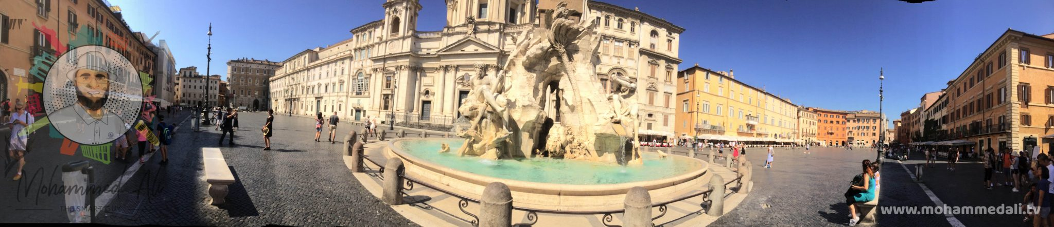 Panoramic view on the Fontana dei Quattro Fiumi of Piazza Navona