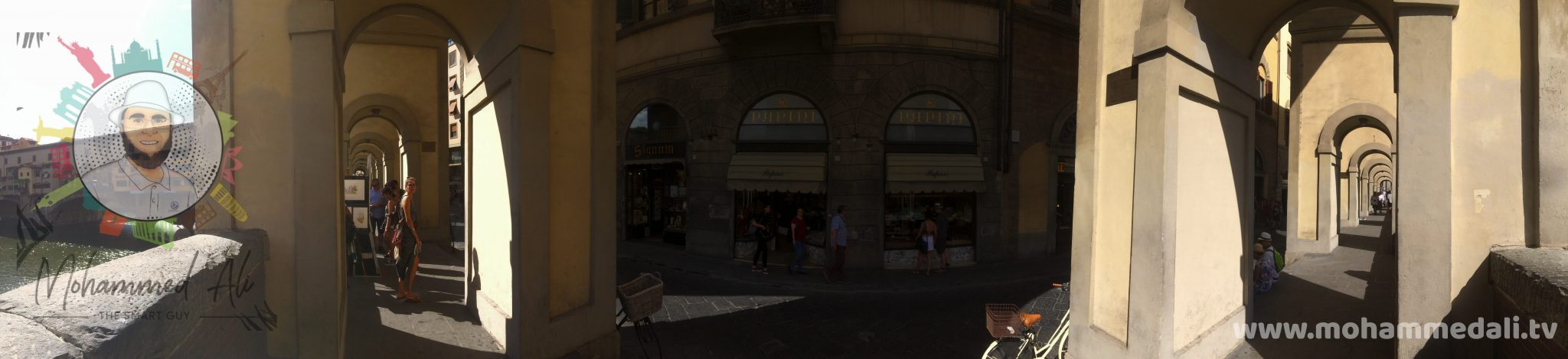 Awesome panoramic view of the river Arno and the famous Ponte Vecchio