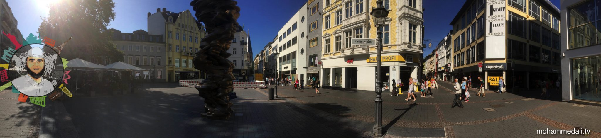 Amazing day out in the city of Bonn. Walking along Remigius street.